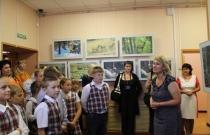 Наталья Таирова приветствует детей на фотовыставке