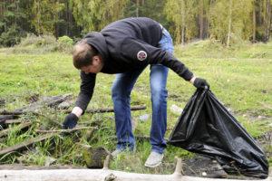 Сотрудники Хакасской Таможни на уборке в Абазе