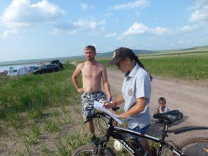 Социологичекий опрос отдыхающих на озере Белё