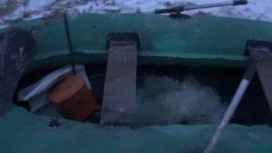 Изъятая браконьерская лодка и сети