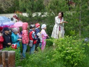 """Экскурсия для детей на тропе """"Живая летопись природы"""""""