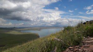 Вид на озеро Белё с горы Чалпан