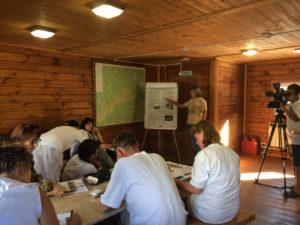 Виктория Шуркина презентует итоги программы на ООПТ Хакасии