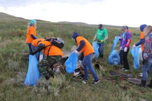 Уборка территории озера Камышовое