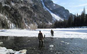 Переход рек по пути на Заимку Лыковых