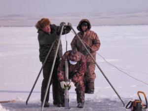 Взятие донных отложений озера Иткуль