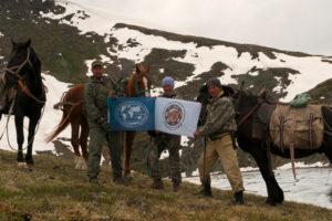 Участники экспедиции, научные сотрудники и государственные инспекторы заповедника Хакасский