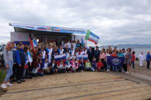 Участники торжественного старта заплыва рекорда Гиннеса